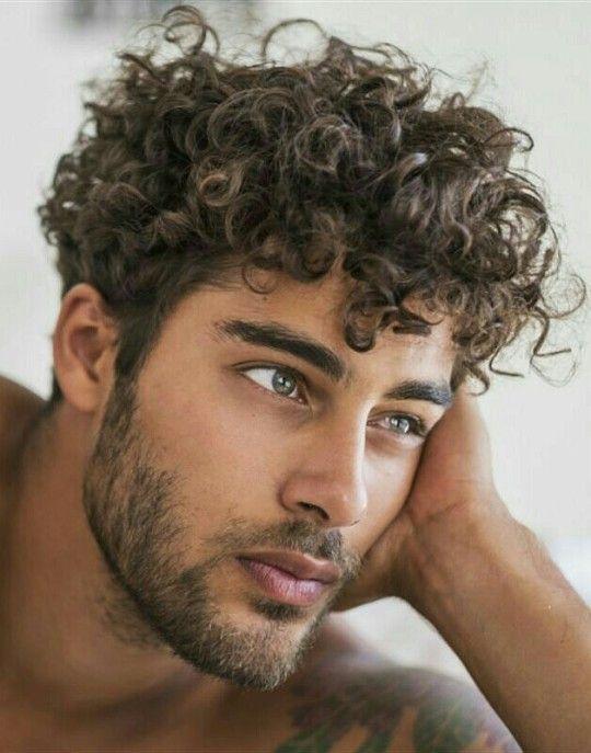 صورة طريقة عمل الشعر كيرلي للرجال , قوم بالتغيير وتمتع بمظهر انيق مع الشعر الكيرلى
