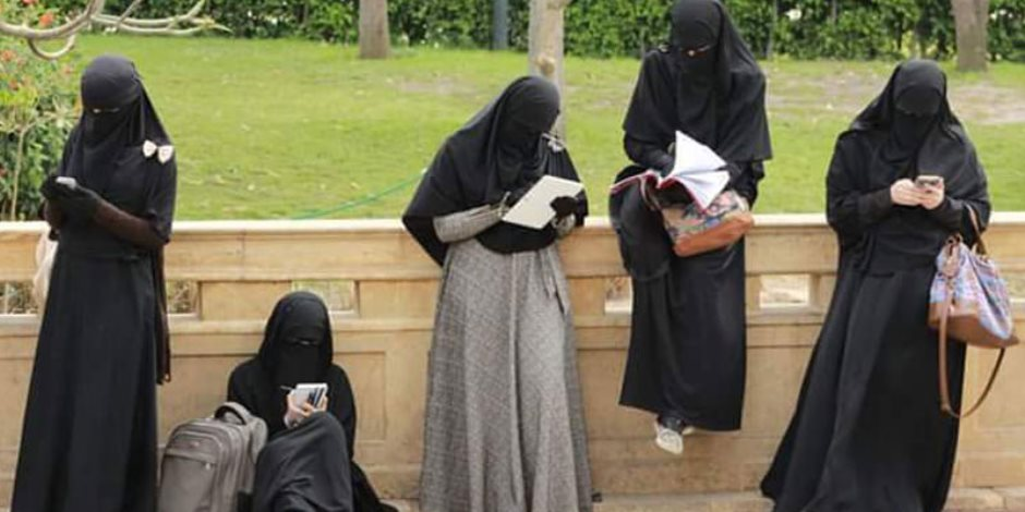 صور صور نسوان شوارع , مظاهر ملابس النساء في الشوارع