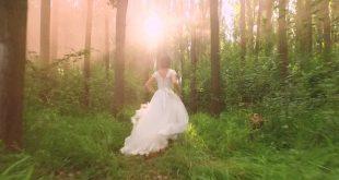 صورة حلمت اني لابسه فستان زواج وانا متزوجه , معنى فستان الزفاف