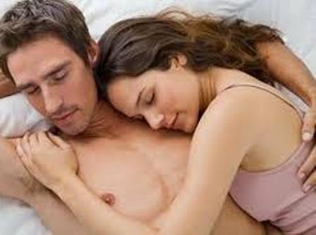 صورة اثارة الزوج بالكلام الجنسي , اجعليه لا يستطيع المقاومه