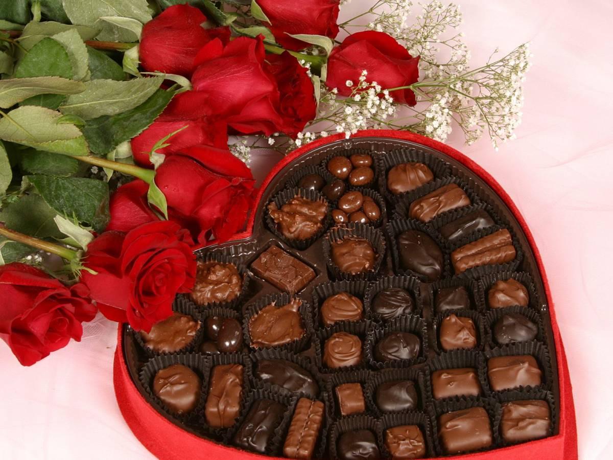 صورة شوكولاتة عيد الحب , عاوزه تفاجئ حبيبك هقلك ازاي