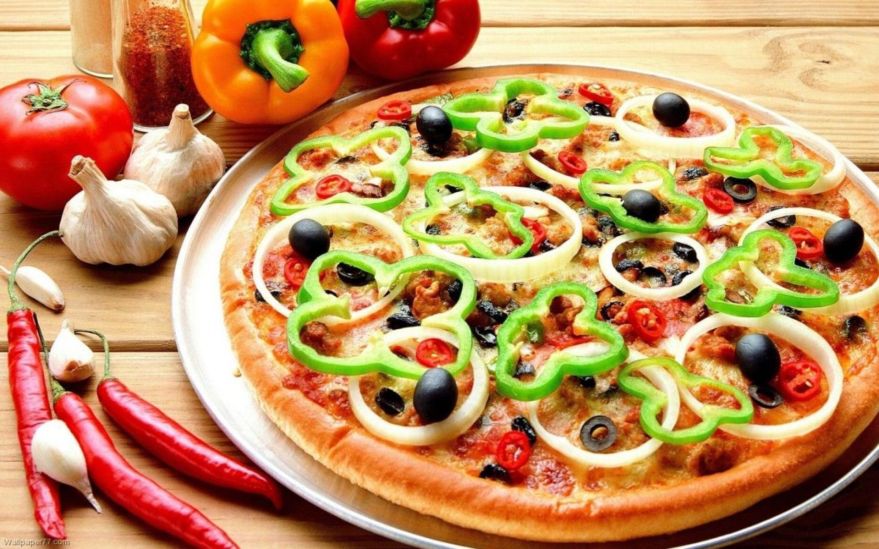 صورة كيفية عمل عجينة البيتزا الوهمية , قدميها فى المنزل باسهل طريقة