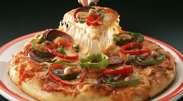 صورة طريقة عمل البيتزا هت , طعم ولا اروع مثل الجاهزة تماما