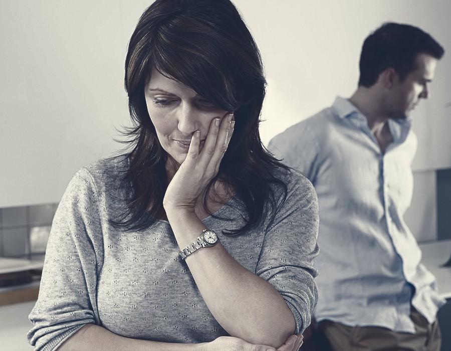 صورة زوجي لا يحبني , علامات اذا قام بها زوجك فهو لا يحبك