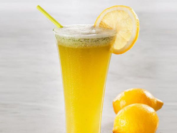 صورة الليمون قبل النوم , فائده مذهله لشرب الليمون قبل النوم