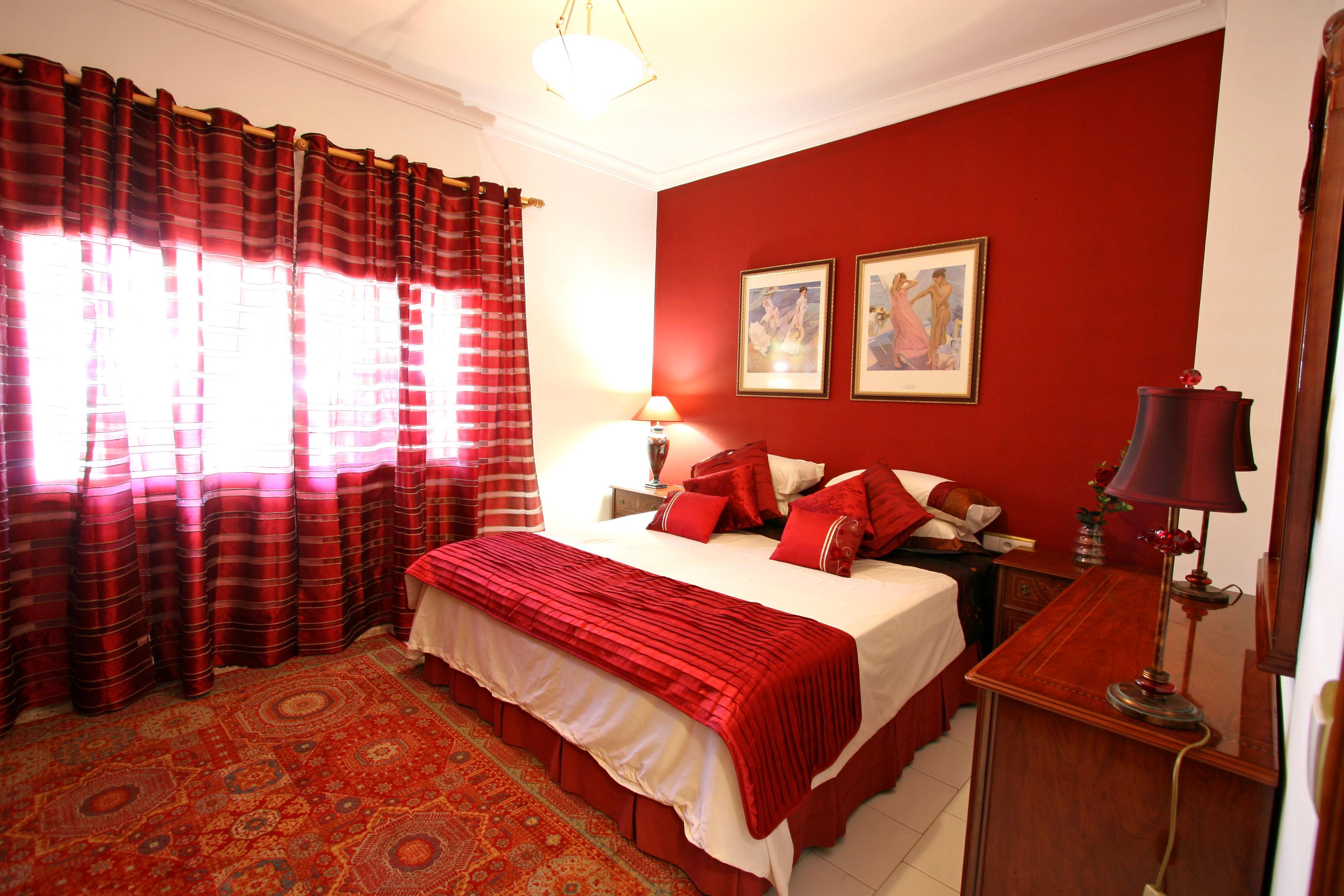 صورة اجمل ديكورات غرف نور تهوس، غرف نوم رومانسية حمراء